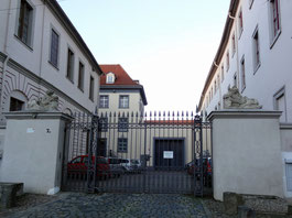 Gefängnishof