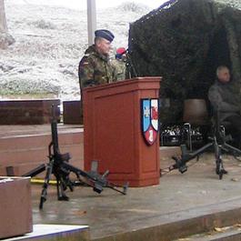 Oberstleutnant Dietzmann bei seiner Ansprache