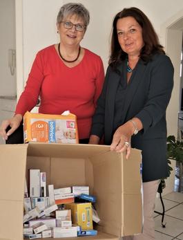 Bild: Helga Lerch mit Antje Angelroth (Midas Pharma GmbH)