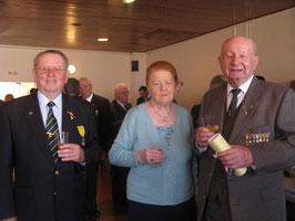 Georges LALLEMENT avec  M. LEY  administrateur national représentant le Directeur Général M. Gellibert, ainsi que Georgette Kurdziel.