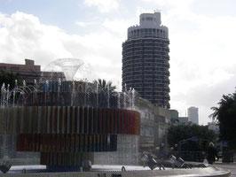 5 января 20110 ИЗРАИЛЬ г Тель-Авив  фонтан на пешеходном мосту через дорогу