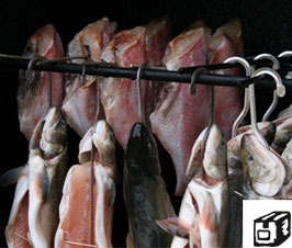 Herzstück der Fischerei, die Räucherei