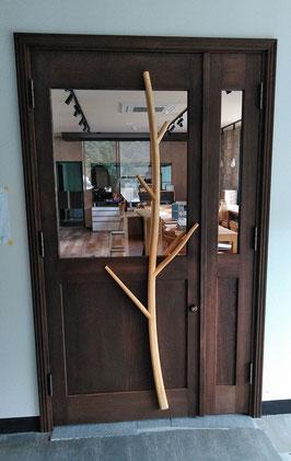 木のドア 木製玄関ドア レストラン