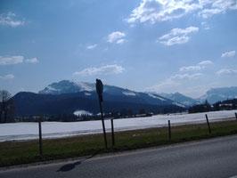weiße Alpen im April