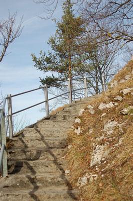 und diverse Treppenstufen führen zum Ziel