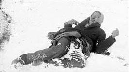 Sitankas im Schnee erstarrte Leiche (Foto gemeinfrei)