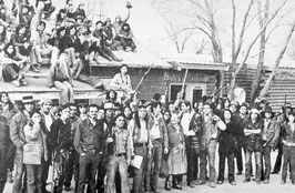 Wounded Knee group 1973 (Foto gemeinfrei)