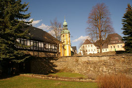 Wolkensteiner Kirche vor dem Schloss