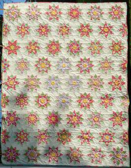 Tenderness Quilt 50 Flowers + 8 half Flowers fussy cutting. Fertig gequiltet Ende Oktober 2017  227 cm x 174 cm