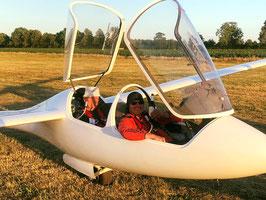 Heimtraining: Landung nach einem fast 1.000 Kilometer-Flug mit Vereinskollege Johannes