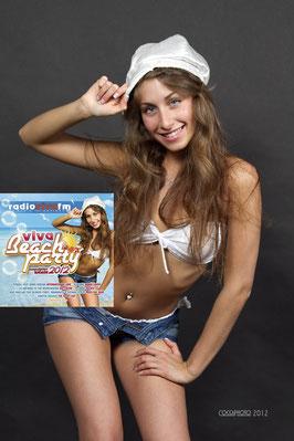 FOTOGRAFIA PUBBLICATA SULLA COPERTINA DEL CD DI BEACH PARTY 2012 RADIO VIVA FM