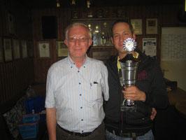 Herbert Zens und der Sieger des Königspokals 2009 Christian Rinscheid