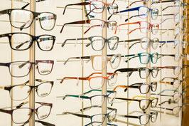 Brillenauswahl bei Optik Flemisch