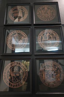 Wappen einiger Hansestädte im Museum für Stadtgeschichte und Seefahrt in Riga