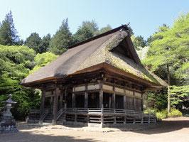 光輪寺薬師堂(長野県朝日村) 義仲の位牌、桜があるという。