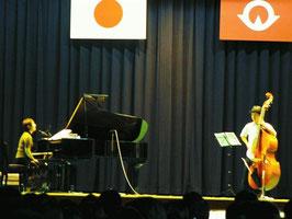 山口県 華陵高校で演奏しました