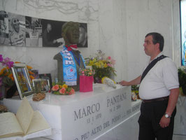 SULLA TOMBA DI MARCO PANTANI