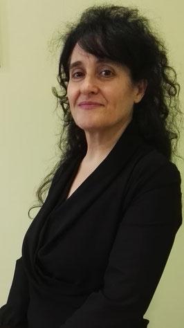 Anna Maria Parente autrice della silloge poetica Piove sui Silenzi