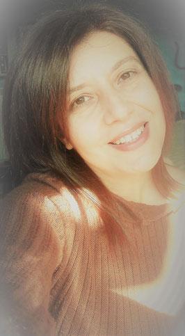 """Angela D'Agostino, autrice di """"Io Brigantessa"""", """"L'Abbraccio del viola"""" e """"Magia Azteca"""""""