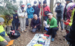 横高山頂上で装備講習会を行う