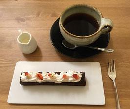 アメリカンとチョコレートケーキ