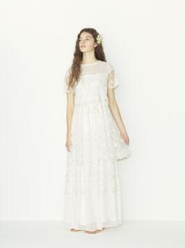 ビジューウエディングドレス