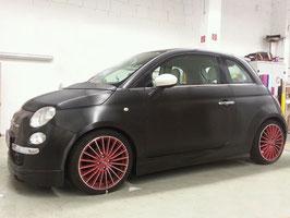 Fiat 500 von Weiß > zu black brushed steel
