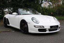 Porsche mit schwarzen Details
