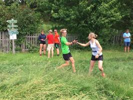 Nach noch nicht mal einer Stunde für die Etappe 5 übergibt Clemens an Mandy.