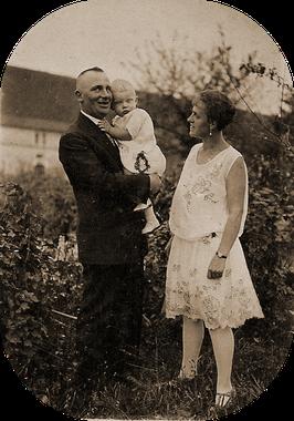 Bild Arthur und Erna Katterwe mit Eberhard  4 August 1929( 1957 nach Kanada ausgewandert )
