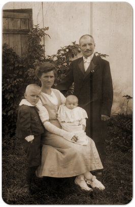 Bild Fam. Karl Robert Katterwe, Sattlermeister in Wabnitz