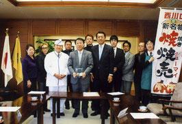 「西川口焼焼売(焼きシューマイ)の会」が川口市長訪問