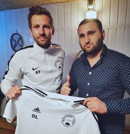 Alex Teichert mit Alex Tschalumjan.