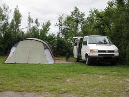 Auto und Zelt