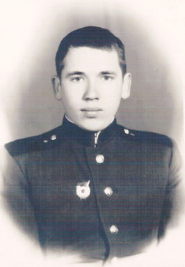 Анатолий Пыжиков в период прохождения военной службы в начале 1960-х годов