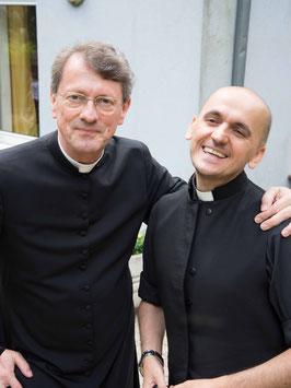 Pfarrer Abrahamowicz und sein langjähriger Kaplan und späterer Nachfolger Pawel Marniak