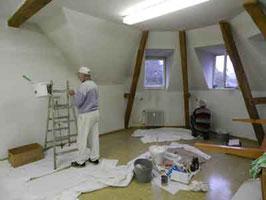 Bei der Renovierung unseres Raumes.