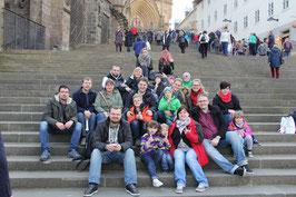 Teilnehmende Kinder mit ihren Eltern in Erfurter Altstadt