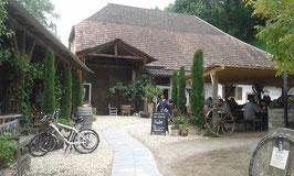 Die martinshofschänke, schöner Garten tolles altes Gebäude.