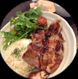 リスカフェのアボ豚ランチはかなり美味しい