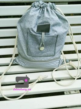 Rucksack in Graugrün Tönen mit vielen schönen Details