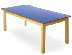 Mesa rectangular, estructura de madera