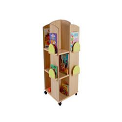 Torre expositora de libros