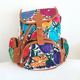 Rucksack / Tasche / Tasche zum Wandern / Backpack bestickt (weiss) aus Mexiko