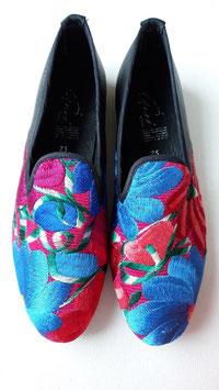 Grösse 38 Boho Lederschuh blau und roter Blumenstickerei