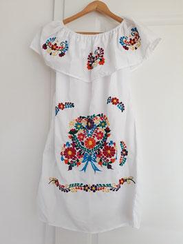 Boho Sommerkleid, Tunika mit Volant (weiss) mit Blumenstickerei