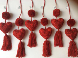 Taschenanhänger, Geschenkanhänger, Herzchen rot (2 Pom pom)