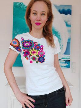T-Shirt (weiss1) Größe M: mit Blumenstickerei