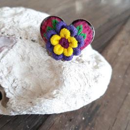 Ring Herzform bestickt lila aus Mexiko (handmade)