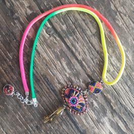 Boho Halskette mit Auge und Bernstein neon gelb, pink (handmade)